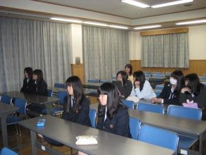 今回は生徒さん8名の先行授業でした