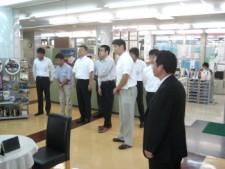 栗東店ショールーム見学の様子です。
